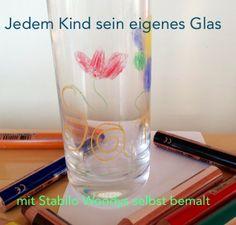 Kinderparty - Gläser beschriften zur Übernachtungsparty. Mit weiteren Party-Tipps: http://einfachstephie.de/2013/02/19/kinderuebernachtungsparty-einfach-mal-so/