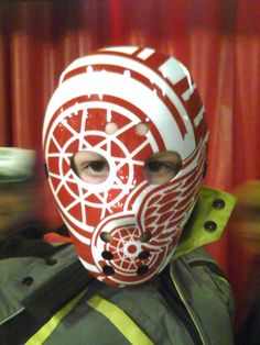 Red Wings Goalie Mask