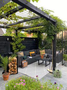 Small Backyard Design, Backyard Patio Designs, Small Backyard Landscaping, Backyard Pergola, Backyard Ideas, Boho Garden Ideas, Modern Pergola Designs, Back Garden Design, Patio Ideas