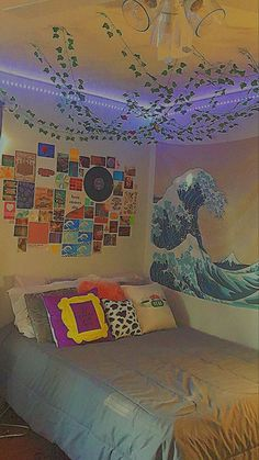 Room Ideias, Chambre Indie, Room Tapestry, Rooms With Tapestries, Room Design Bedroom, Bedroom Ideas, Indie Room Decor, Chill Room, Retro Room