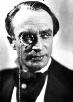 Portait of Conrad Veidt, 1933 Classic Hollywood, In Hollywood, Le Monocle, Conrad Veidt, The Man Who Laughs, Peter Lorre, Fritz Lang, Bagdad, Plastic Art