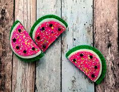 Girls hair clips, Hair clips, felt hair clips, Watermelon hair clip or hair tie Free Uk Postage Felt Hair Clips, Bow Hair Clips, Hair Barrettes, Hair Ties, Bow Template, Glitter Fabric, Green Glitter, Baby Headbands, Watermelon