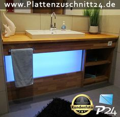 Badezimmer-Schrank mit PLEXIGLAS®