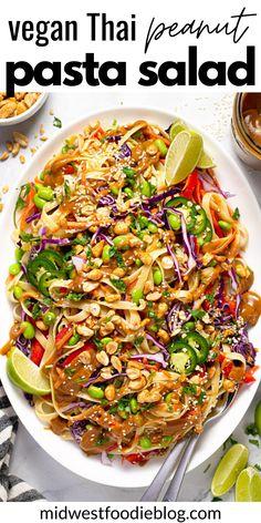 Thai Peanut Salad, Thai Peanut Noodles, Easy Pasta Salad, Pasta Salad Recipes, Vegetarian Recipes, Healthy Recipes, Thai Recipes, Healthy Menu, Vegetarian Options