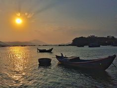 the endless summer // em busca da onda perfeita  #endlessummer #vinhvanphong #vanphongbay  #vietnam #vietnã