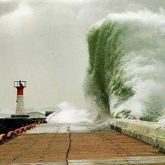 Kalk Bay waves