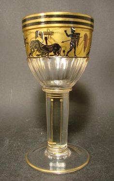 Pokal mit antikisierender Schwarzlotbemalung