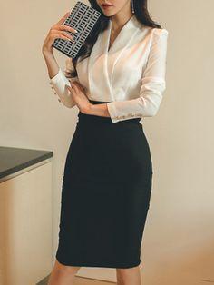 V-Neck Color Block Bodycon Dresses - Work Outfits Women Casual Work Outfits, Business Casual Outfits, Business Attire, Mode Outfits, Work Attire, Office Outfits, Classy Outfits, Business Clothes For Women, Business Dresses