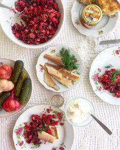 Vinegret – orosz céklasaláta | Chili és Vanília Camembert Cheese, Salad, Food, Salads, Meals, Lettuce, Yemek, Eten