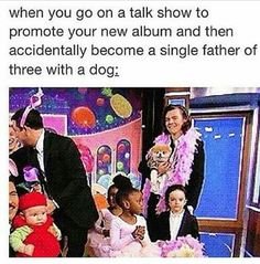 I don't like One Direction but this is funny Four One Direction, One Direction Humor, Harry Styles Memes, Love Of My Life, My Love, All Family, 1d And 5sos, Thing 1, Harry Edward Styles