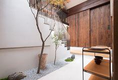 Store Renovation By B.L.U.E. Architecture Studio