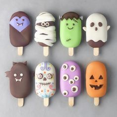 You have 5 seconds to decide which one's your favorite! GO! 👻🎃🍦 1, 2, 3, 4, 5, 6, 7 or 8? ���