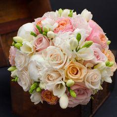 Beautiful Flowers, Floral Wreath, Pastel, Wreaths, Plants, Decor, Floral Crown, Cake, Decoration
