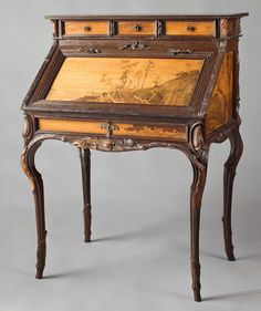 Lorraine Forest Desk, 1900. Sculpted lakeside oak with mouldings, inlay work of various woods. H: 108,5 cm, W: 78,5 cm, D: 56 cm. (Musée d'Orsay)