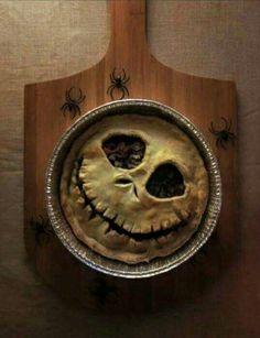 of the Best Halloween Food Ideas Jack Skellington Pie.so cool for Halloween! Halloween Desserts, Spooky Halloween, Halloween Kunst, Comida De Halloween Ideas, Postres Halloween, Diy Halloween Treats, Halloween Dinner, Halloween Goodies, Theme Halloween