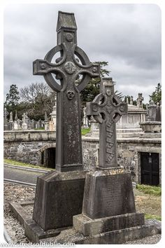 Glasnevin Cemetery - Dublin (Ireland)  #Celtic Crosses