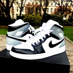 Jordan Shoes Girls, Air Jordan Shoes, Girls Shoes, Jordan Shoes For Sale, Jordan Outfits, All Nike Shoes, Hype Shoes, Sneaker Store, Swag Shoes