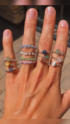 Wire Jewelry Rings, Wire Jewelry Designs, Handmade Wire Jewelry, Dainty Jewelry, Cute Jewelry, Beaded Jewelry, Jewlery, Jewelry Accessories, How To Make Rings