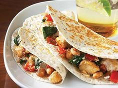 Clean eating Chicken, spinach and ricotta quesadillas Mmmmmm....