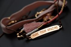 Discover amazing jewelry subscription boxes that wil send you high qualitay earrings, bracelets, necklaces, rings, and so much more in your favorite metals. Diy Beaded Bracelets, Macrame Necklace, Braided Bracelets, Diy Necklace, Jewelry Bracelets, Jewelry Tree, Fashion Jewelry Necklaces, Beaded Jewellery, Cheap Subscription Boxes
