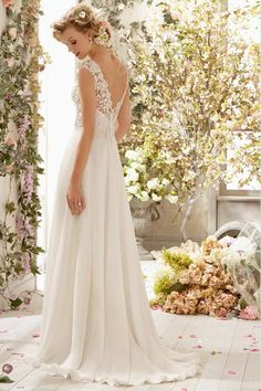 2014 V Neck A Line Wedding Dress Chiffon With Beads And Applique Court Train