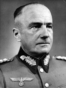 Walther von Brauchitsch – war bis 1941 Leiter des Oberkommandos des Heeres (OKH) und wurde von Adolf Hitler selbst abgelöst. Das OKH unterstand dem OKW (Oberkommando der Wehrmacht)