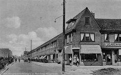 Hoograven 1944   Verlengde Hoogravenseweg (richting centrum) van af Rondweg Hoograven (sinds 1955 't Goylaan)