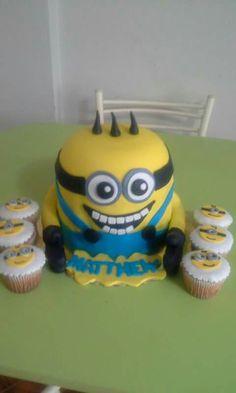Torta y cupcakes de los Minions