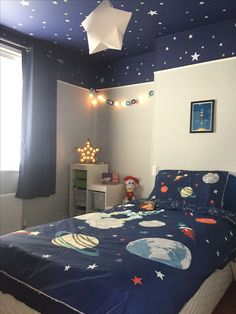 Boys Space Bedroom, Outer Space Bedroom, Kids Bedroom Designs, Kids Room Design, Boy Room, Space Theme Rooms, Room Girls, Girls Bedroom, Bedroom Themes