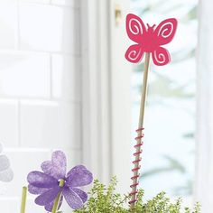 SmartScents by PartyLite™ Butterfly Plant Stake. Do you love the Smartscents? Add a little fragrance this way. Plant stake with decorative topper just adds a little fragrance around the houseplants. Partylite, Butterfly Plants, Decoration, Houseplants, Fragrance, Wreaths, Candles, Beautiful, Summer
