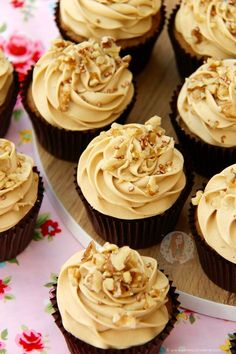 Light & Moist Coffee and Walnut Cupcakes with Coffee Buttercream Frosting! I have been trying to think of Cupcake recipes that people would want to. Gourmet Cupcakes, Cupcake Recipes, Baking Recipes, Cupcake Cakes, Cup Cakes, Baking Desserts, Food Cakes, Muffin Recipes, Baking Ideas
