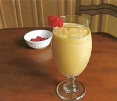 Easy to Make Cantaloupe Fruit Smoothie Recipe