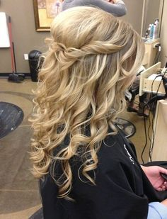 Hair down with twist at crown and volume. Romantic soft curls - long hair (medium would work too) 23 Prom Hairstyles Ideas for Long Hair | PoPular Haircuts wedding formal dance date night summer Beach style