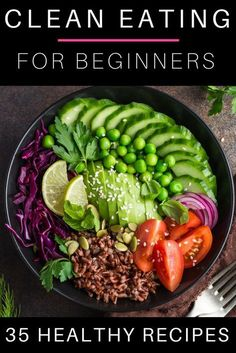 35 Clean Eating Recipes For Beginners Clean Eating is a healthy way to achieve your weight loss goals but like most diets you need a plan. Heres a few of my favorite tips and quick prep clean eating meals that are easy to make! Clean Eating Menu, Clean Eating Recipes For Weight Loss, Clean Eating For Beginners, Weight Loss Meals, Clean Eating Breakfast, Recipes For Beginners, Breakfast Ideas, Clean Eating Plans, Clean Eating Challenge
