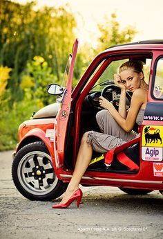 Fiat 500, Glamour, Cool Cars, Baby Strollers, Pinup, Passion, Italy, Beauty And The Beast, Women