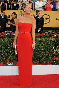 Kaley Cuoco-Sweeting on the SAG Awards Red Carpet. [Photo by Amy Graves]