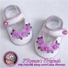 Crochet Baby Booties crochet baby bootties and sandals, crochet pattern and photo. Booties Crochet, Crochet Baby Sandals, Crochet Slippers, Knit Baby Dress, Crochet Baby Clothes, Crochet Baby Blanket Beginner, Baby Knitting, Baby Patterns, Crochet Patterns