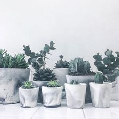 I've just found White/Black Or White/Grey Marbled Cement Mini Pot. Handmade and unique pots in white porcelain cement with marble pattern in either grey or black cement. Tulip Table, Uni Room, Decoration Plante, Cement Pots, Gray Aesthetic, Minimal Decor, Marble Pattern, My New Room, Planting Flowers