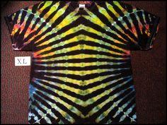 I like the idea of two colors running down the side Bleach Tie Dye, Tye Dye, How To Tie Dye, How To Dye Fabric, Tie Dye Folding Techniques, Tie Dye Shirts, Cut Shirts, Tie Dye Crafts, Tie Dye Outfits