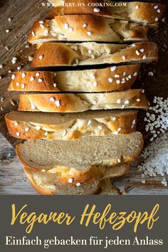 A classic yeast braid simply cannot be missed at Easter. Simply baked, this vegan yeast braid is an eye-catcher for Easter. With only 5 ingredients, this vegan yeast braid is an eye-catcher for Easter Baked Custard Recipe, Custard Recipes, Baking Recipes, Custard Cake, Vanilla Custard, Potato Recipes, Vegan Sweets, Vegan Desserts, Sweet Pastries