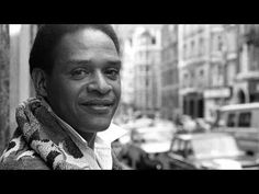 Legendary jazz singer Al Jarreau has died at the age of 76, his family says.