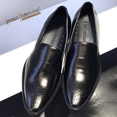 Fabriqué au Vietnam ---- Pour Homme - Shoes & Leather 254 Lý Tự Trọng Bến Thành Q1 Sài Gòn 0909.352.905 sales@pourhomme.com.vn #pourhomme #pourhommeleather #vietnam #saigon #loafers #leather #calfskin #vietbrand #vietnambrand #madeinvietnam #slippers #mensfashion #menfootwear #menshoes #menslippers #menstyle