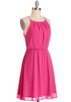 Make tonight's outdoor get-together even more lively by greeting your pals while wearing this bold fuchsia dress! Its billowy, subtly pleated bodice, fitted waist, and full lining make for a fuss-free fit, so you can focus on mingling your way through the crowd all night in your metallic heels and floral earrings!