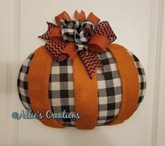 Thanksgiving Crafts, Fall Crafts, Holiday Crafts, Dollar Tree Fall, Dollar Tree Crafts, Wreath Crafts, Diy Wreath, Fall Halloween, Halloween Crafts