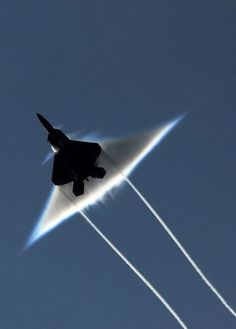 F-22 Raptor breaking the sound barrier...killing me....sigh