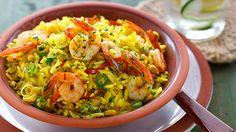 Aynı türde pilav yapmaktan sıkılanlar için yepyeni bir lezzet: Karidesli, Mısırlı ve Safranlı Pilav! http://www.herkessofraya.com/tarifler/detay/12252/1/karidesli-misirli-ve-safranli-pilav