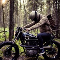 """Build #2 coming out of @federalmoto of #Alberta - a 1974 CB360 Tracker called """"The Couch Surfer"""" #Padgram"""