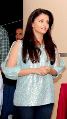 Aishwarya Rai Bachchan at Jazbaa movie cast script reading event. #Bollywood #Fashion #Style #Beauty