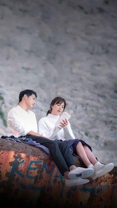 Last Episode of Descendants of The Sun Songsong Couple, Best Couple, Descendants Of The Sun Wallpaper, Song Hye Kyo Descendants Of The Sun, Desendents Of The Sun, Soon Joong Ki, Sun Song, Song Joong, Korean Drama Quotes