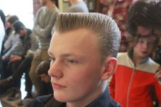 """""""I've posted this before…this young man has got a set of balls! He looks GREAT in this clean-cut version of a DA Flattop! """" Hey guys…summer is in full swing…head down to ur favorite barbershop and get a nice neat flattop! Very Short Haircuts, Haircuts For Men, Greaser Hair, Flat Top Haircut, Male Pattern Baldness, Men's Grooming, Barber Shop, Short Hair Cuts, Cool Hairstyles"""